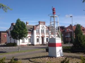 Dalénmuseet sett från stationen i Stenstorp med AGA-fyren i förgrunden.